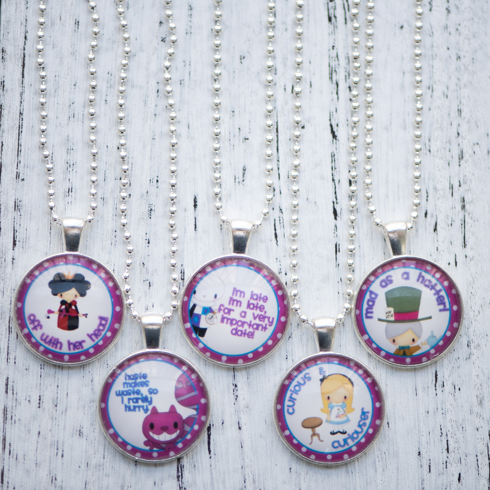 Glass Cabochon Necklace Alice in Wonderland Photo Pendant Necklace Handmade Women Jewelry Cute Birthday Party Gifts 10pcs/lot