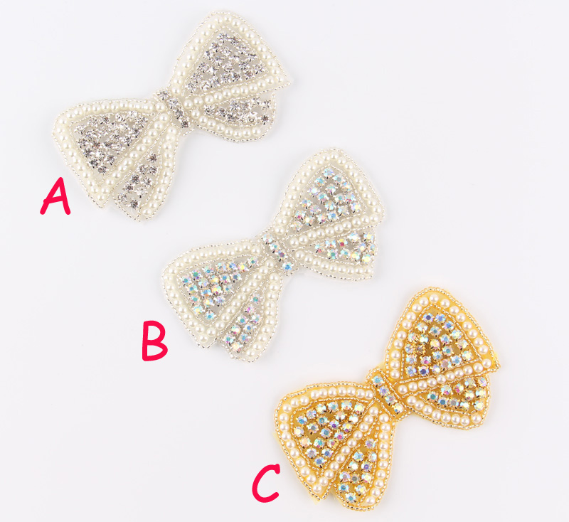 (60pcs lot)Mix 3 Design Crystal Pearl Bows Rhinestone Appliques Patch Hot  Fix Beaded Bridal Dress Belt Sash Hat Applique Patch-in Rhinestones from  Home ... 45af517f7011