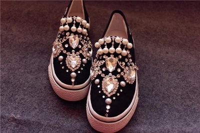 Crystal Fringe Womens Loafers Princess Shoes Diamond High Quality Casual Shoes Gem Pearl Rhinestone Female Lazy ShoesCrystal Fringe Womens Loafers Princess Shoes Diamond High Quality Casual Shoes Gem Pearl Rhinestone Female Lazy Shoes