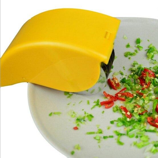 1PC Multi functional Onion Cutters Wheel Vegetables Chopper Shredders Slicer Roller Fruit Knives Kitchen Tools LB 511