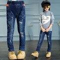 Novo 2016 Crianças Coreanas Meninas Jeans Da Moda Além de Veludo Inverno Quente Denim Sólida Calças Cintura Elástica Crianças Calças de Vestuário Quente