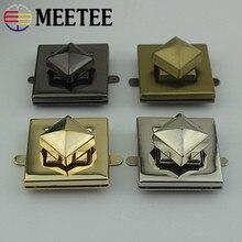 купить Meetee 2pcs Metal Metal Bag Twist Lock Square Round Handbags Purse Lock Buckle DIY Bag Luggage Hardware Accessories BD374 дешево