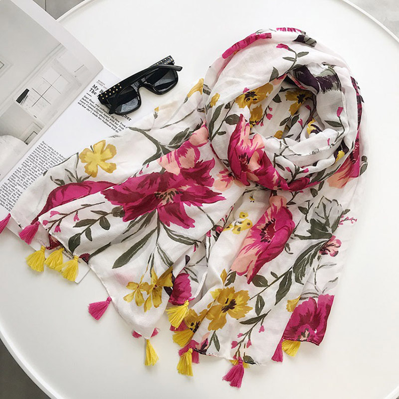 2018 New Spring Women Scarf Cotton Flowers Print Long Thin Scarf Travel Vacation Cotton Scarf Beach Towel Sunscreen Shawl