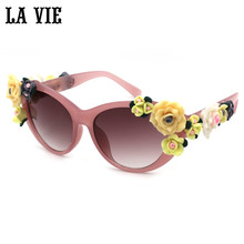 LA VIE Fashion Cat Eye 3D Flowers Sunglasses for Women Brand