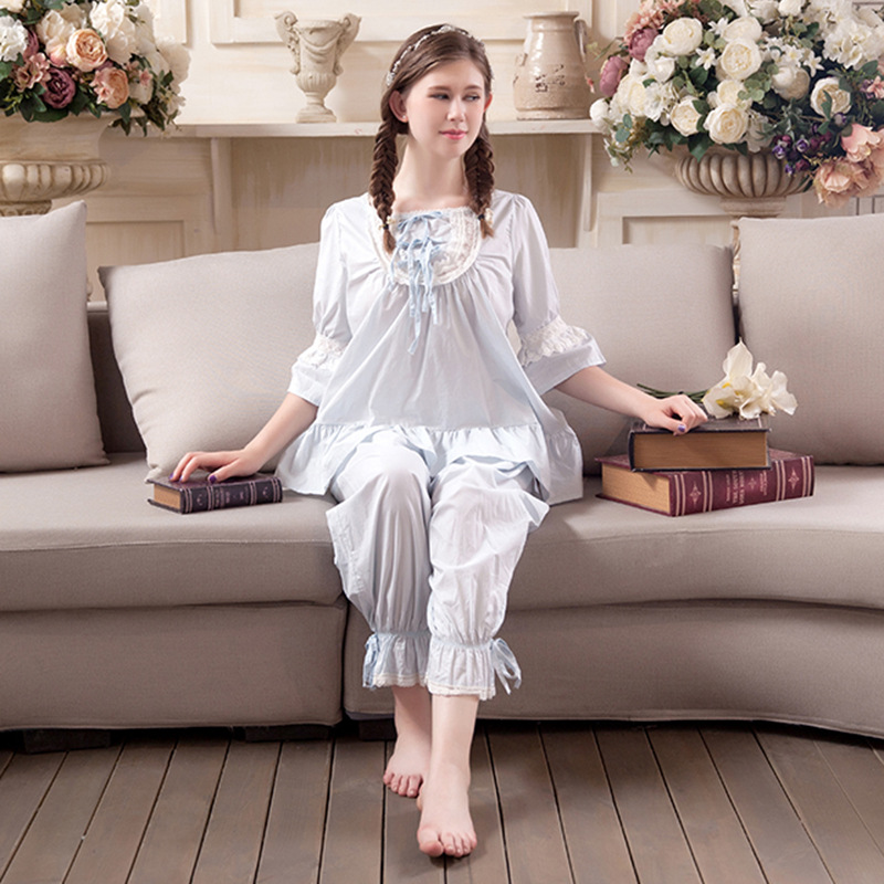 2017 New Nightgowns Sweat Cute Sleepwear Korean Girls Lace Pajamas Lovely leisure pajamas Cotton Robes For Women Nightgowns Set