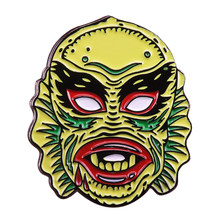 La creatura da black lagoon pin universale monsters distintivo classico film horror dell'amante del regalo(China)