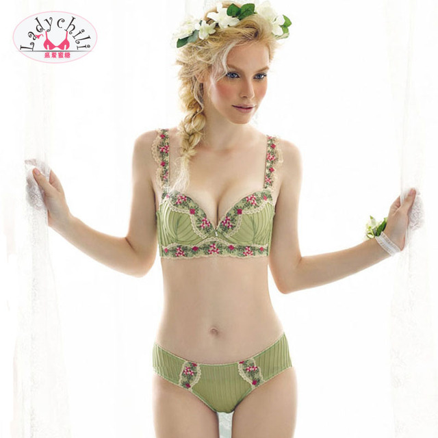 db3d7090ad Cotton Lingerie Set Stripe Green Bra Set Embroidery Lace Flower Rim  Underwear Magic the Gatering Push Up Bra And Panty Set N61