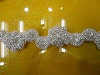 Livraison gratuite nouvelle fleur cristal strass perlé appliques motif applique travail conceptions pour les robes en gros