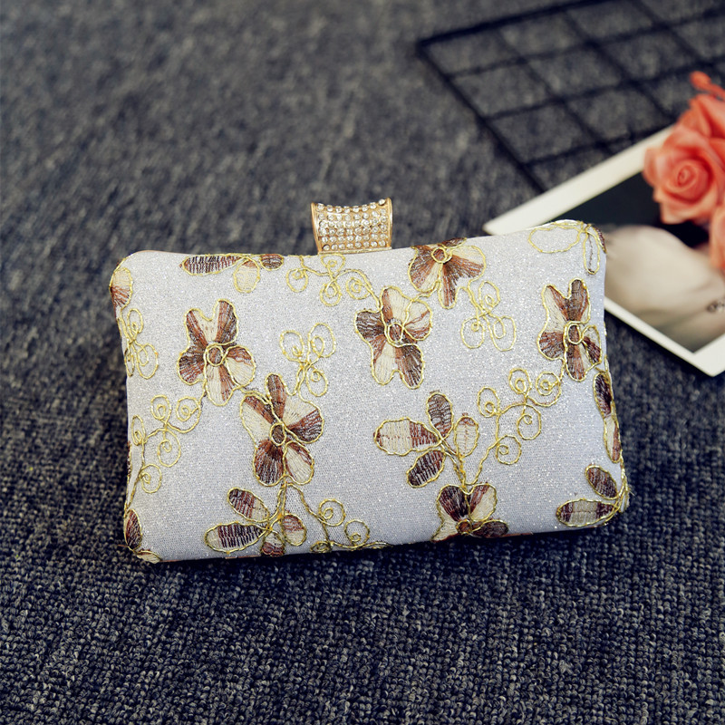 2018 New Vintage Embroidery flowers evening banquet women's small bag shoulder bag lady bag. simba simba куклы штеффи и еви мир животных 35 предметов