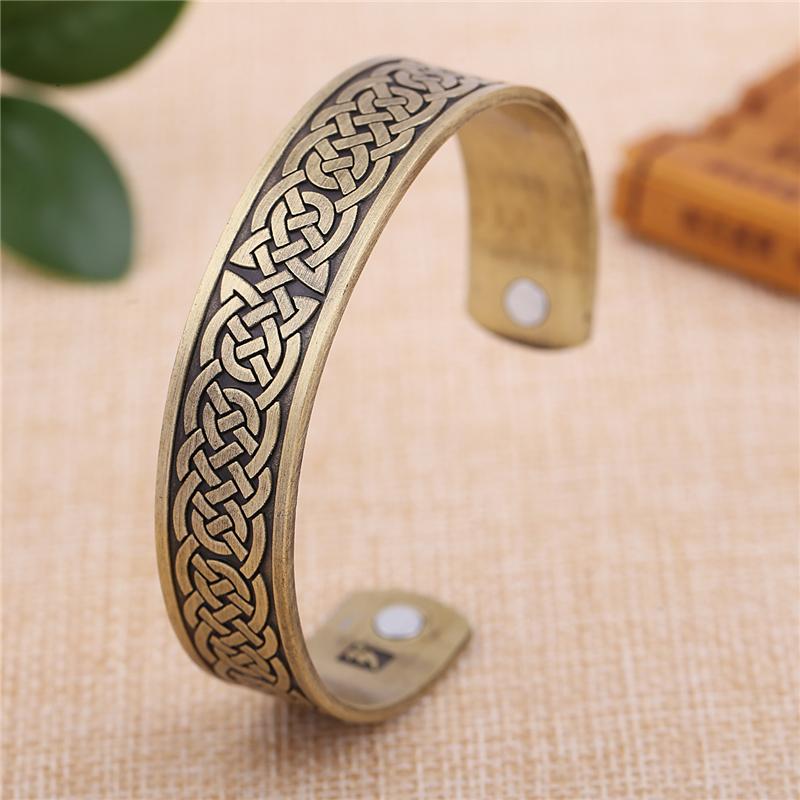 Cuff bracelet430