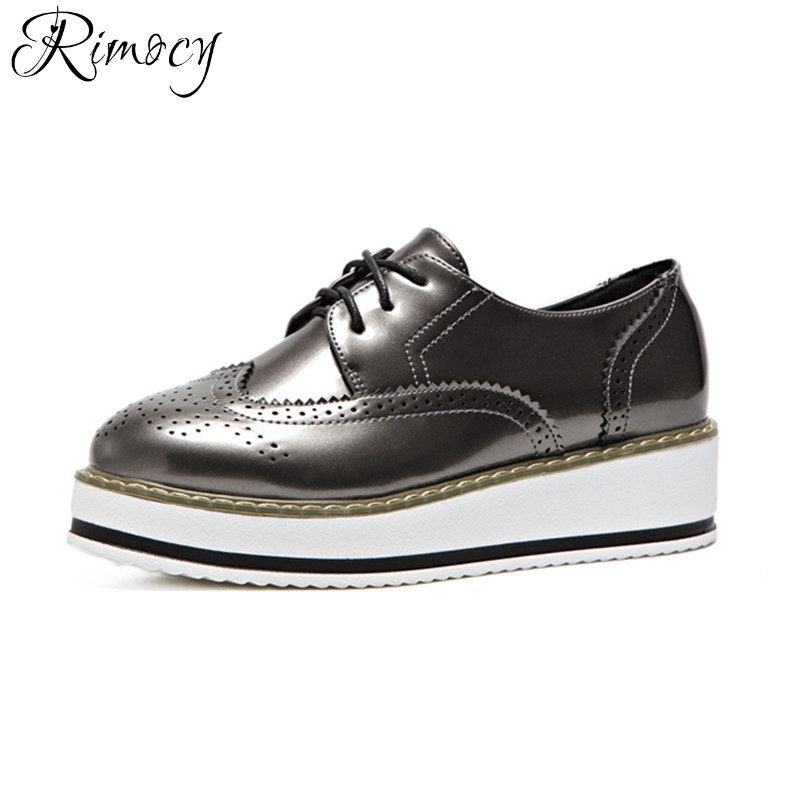 Rimocy patent leather high platform brogue shoes women lace up british style Oxfords Flats comfortable ladies casual shoes 2017 qmn women genuine leather platform flats women laser cut patent leather brogue shoes woman oxfords lace up leisure shoes 34 39
