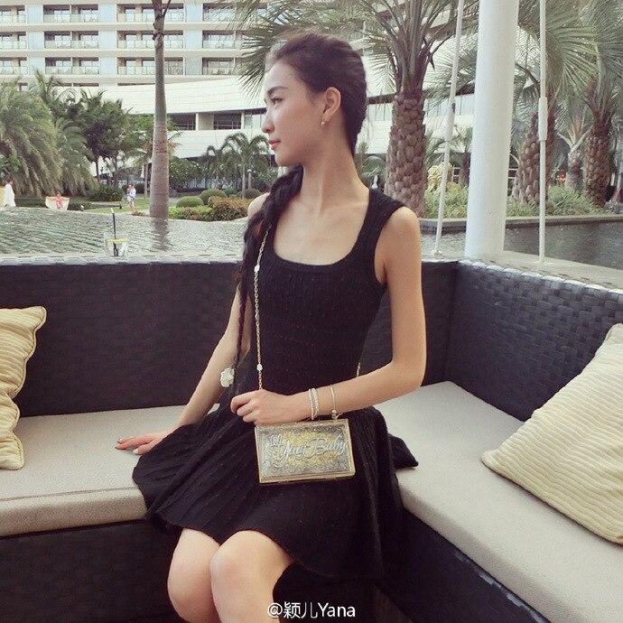 2016 new European slim waist dress Super expensive diamond dress knit dress