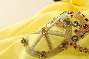 Image 4 - Femmes tenue décontractée de haute qualité piste été col rond sans manches perles paillettes dos bouton a ligne Mini robe SAD476N