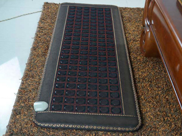 2016 Jade Tourmaline Mat Electric Heating Massage Mattress with Far Infrared Theraphy Massage Cover Beauty Centre Use 0.7X1.6M 2017 new natural jade germanium tourmaline stones infrared heating mat natural jade facial beauty massage tool jade roller