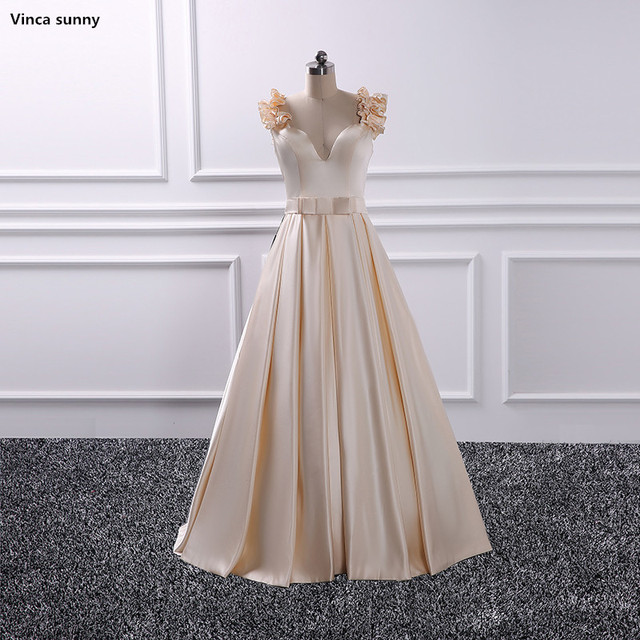 2018 Arabic Sweetheart Long Bridesmaid Dresses Satin A line Saudi Dubai Ruched Long Maid of Honor Dress Wedding Party Gowns