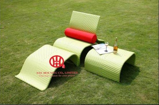 Rattan Outdoor Furniture Pool Sun Lounger,Wicker Rattan Swimming Pool Lounge Chair / Beach Sun Lounger