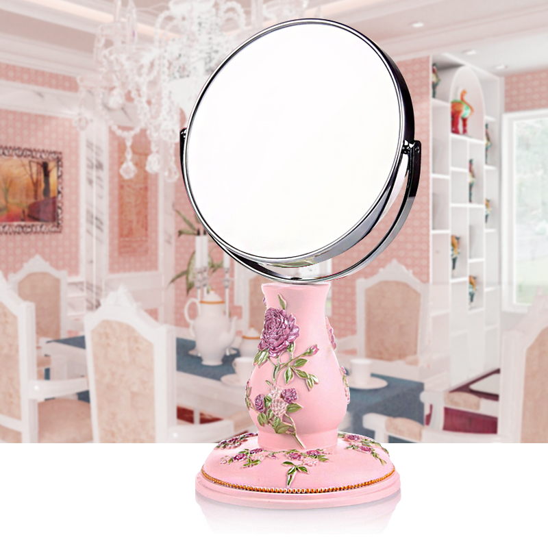 mirror style desktop mirror with a high definition of the base of a simple European style Princess Makeup Mirror