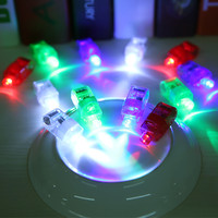 100PCS 1pet LED Light Up Flashing Finger Rings Electronic Christmas Halloween Fun Toys Gift Glow Party