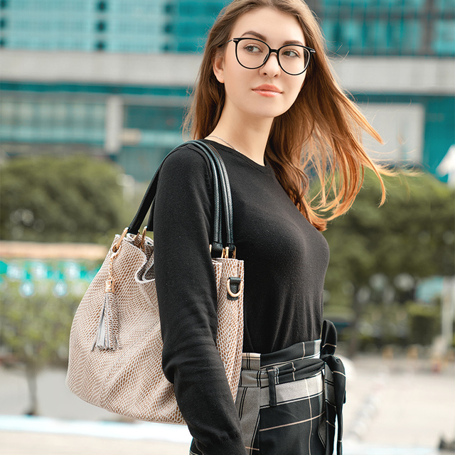 Realer woman handbags genuine leather bag female hobos shoulder crossbody bags high quality leather totes women messenger bag 1