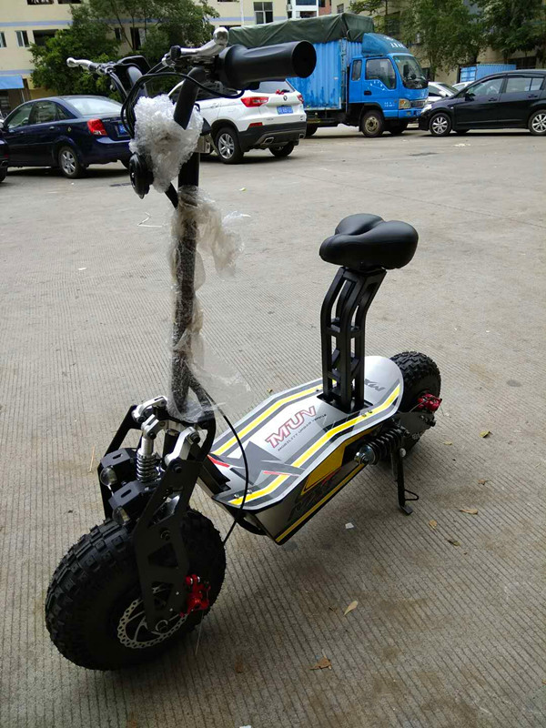 Big Power 60V 1600W foldable Two Wheel Electric Scooter for Adults street legal electric motorcycle