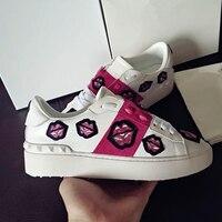 Элитный бренд Ricets лоферы на шнуровке Модные вышивка губ кросовки повседневная обувь вулканизируют женские модные кроссовки Женская обувь