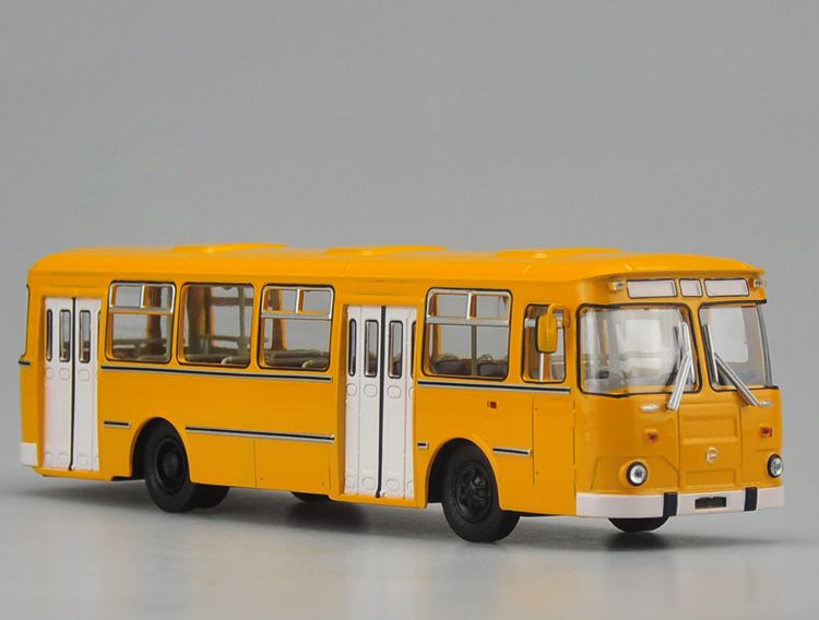 Alloy Model Gift 1:42 Scale Russian 677M Vintage Auto City Transit Bus Vehicle DieCast Toy Model for Collection Decoration