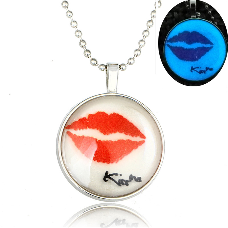 Letter Kiss MeRed Lips Picture With Glass Cabochon Glowing Pendant Necklaces Jewelry Luminous Glow In The Dark Necklaces Gifts