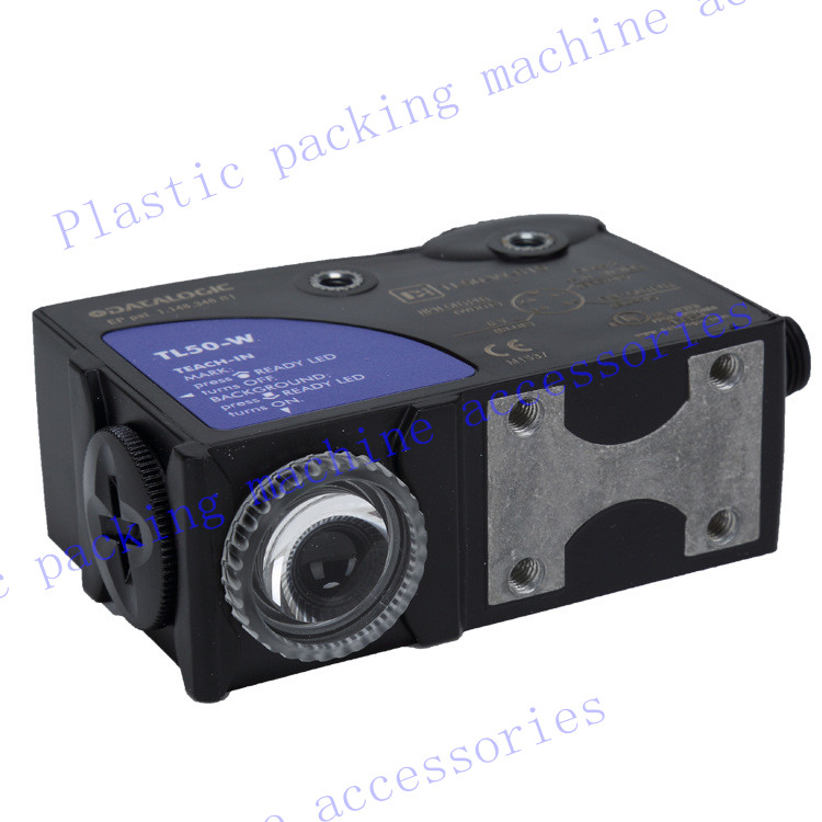 Photoelectric switch, color code sensor, TL46-W-815G, light magic eye Photoelectric sensor bag making machine  цены