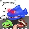 AUTOPS Divertidos Juguetes Tiburón Bulldog Novetly Dientes de Cocodrilo Croco del Cocodrilo de la Mordedura Del Dentista de Dedo Juego Divertido Juguete Para Niños de Regalo