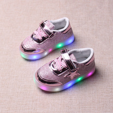 2017 spring and autumn children's shoes stars light boys and girls LED light shoes non-slip baby leisure sports shoes
