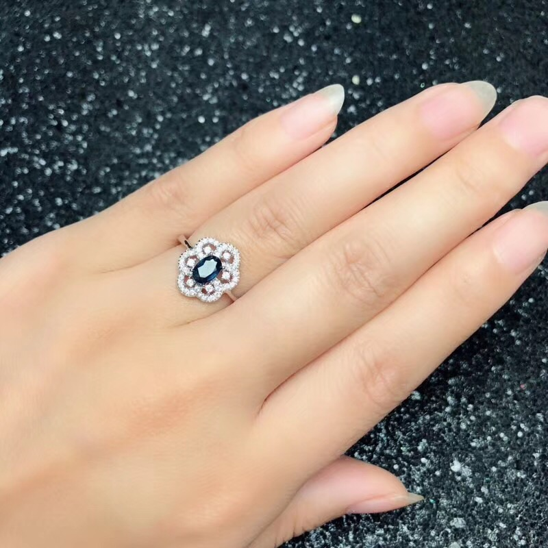 Natural sapphire suit, 925 silver, flower style, beautiful design, good wearing effect
