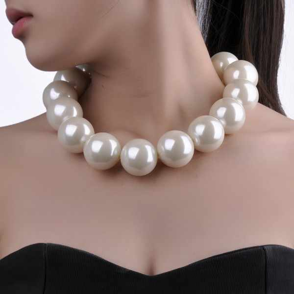 New Fashion Elegant White Resin Pearl Chain Choker Statement Bib Necklace Faux Big Pearl Beaded Necklaces Women Jewelry Gift