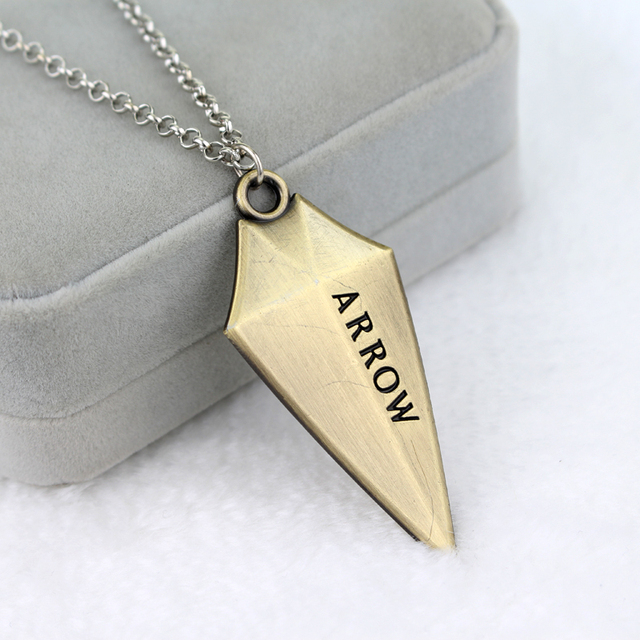 Movie The Avengers Series Alloy DC Super Hero Green Arrow Necklaces Pendant The Arrow 3D Logo Necklace for Women And Men