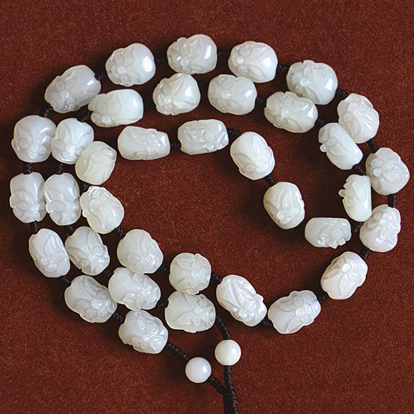 And tian qing white stone seed line men and women 18 luohan pendant chain./1And tian qing white stone seed line men and women 18 luohan pendant chain./1
