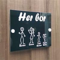 (Her Bor) Placa de puerta de Panel de respaldo negro y acrílico transparente noruego  palo personalizado  señal de puerta de casa familiar  nuevo diseño
