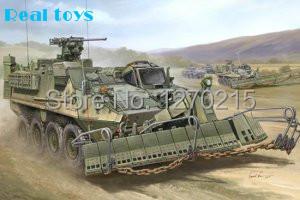 Trompetista 01575 1/35 M1132 Stryker ESV ( seleção de engenharia ) w / SMP / AMP superfície mina Plow