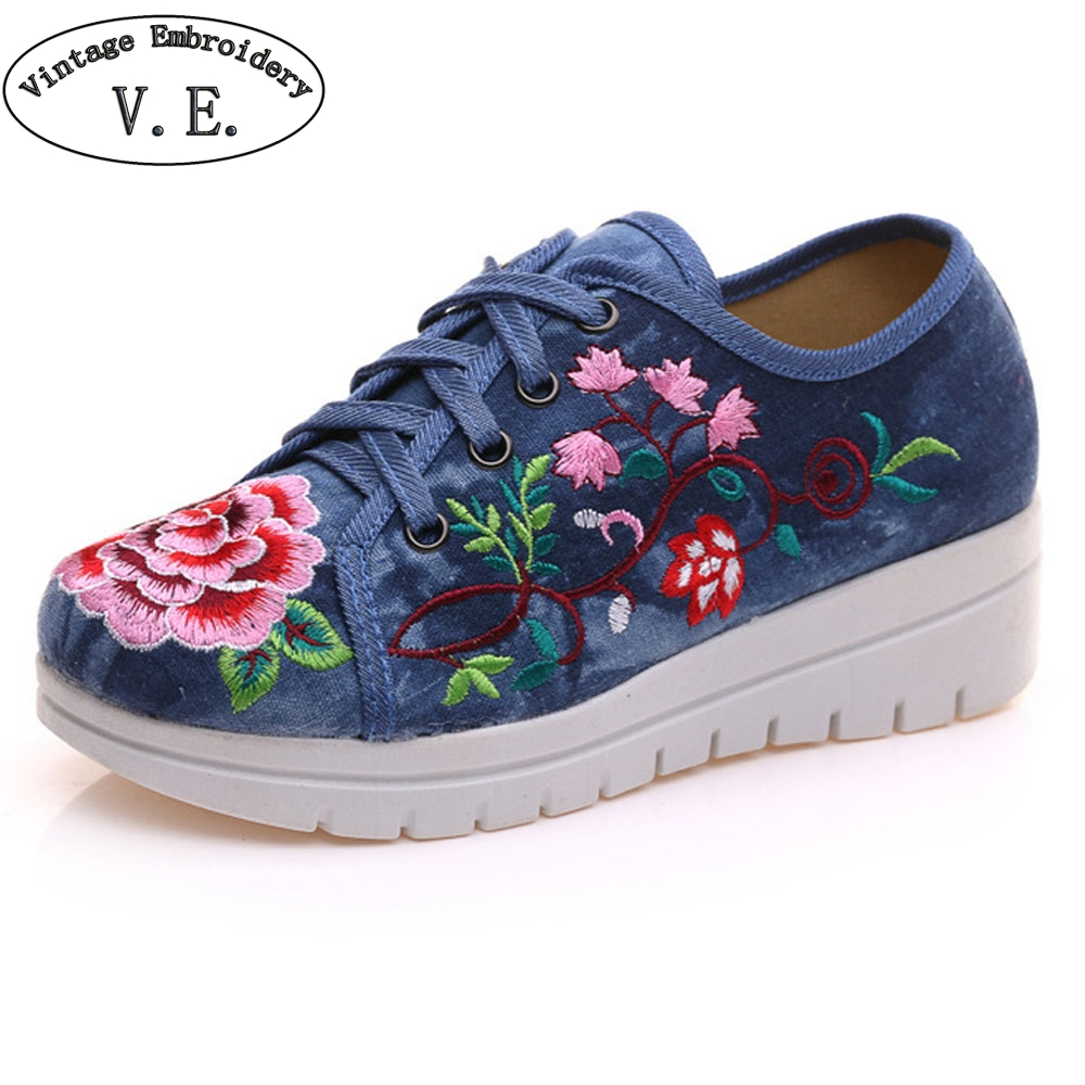 Vintage Chinese Flats Shoes Women Canvas Flower Embroidered Lace Up Casual Cotton Platforms Shoes Sapato Feminino Size 34-41 size 34 41 fashion shoes woman old beijing mary jane flats casual chinese style peony flower embroidered cloth canvas shoes
