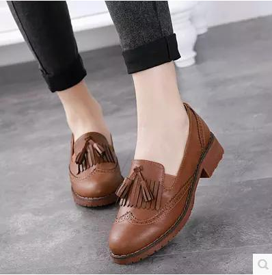 e5511d52b58 Ladies tassel carved platform shoes girls leather Oxford shoes women s  Brogues Leisure vintage loafers flats single brand shoes