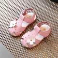 Gilrs zapatos 2017 verano estéreo pequeña flor del color del caramelo de 1 a 3 años de edad del niño del bebé antideslizantes zapatos de playa sandalias ninas 941