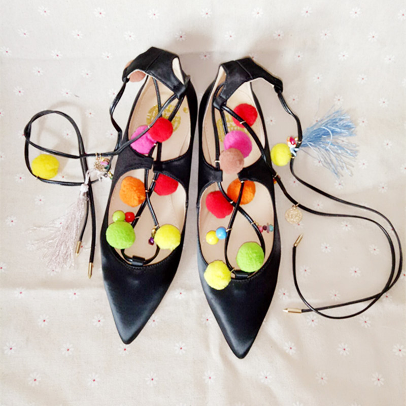 ФОТО hot selling pointed toe flat shoes black leather colorful pom pom lace-up woman gladiator flat shoes casual shoes