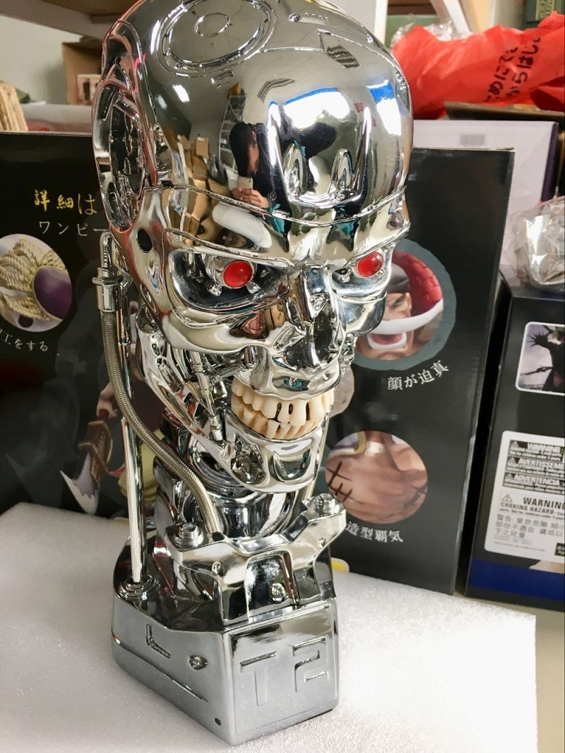 Free shipping T800 T2 Skull Terminator Action Figure Endoskeleton Lift Size Bust Resin Replica Model Toy Collection LED EYE New