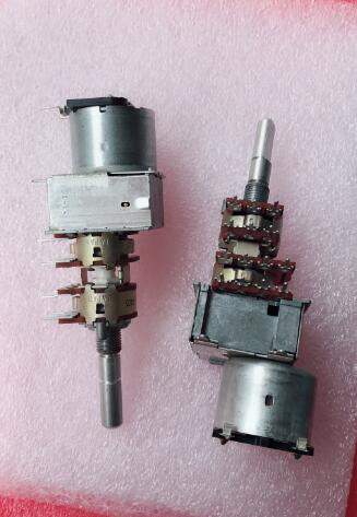 Original new 100% Japan import TEAC3020 power amplifier volume potentiometer quadruple motor potentiometer 14pin B50K (SWITCH) 148 type double potentiometer b50k handle length 10mm