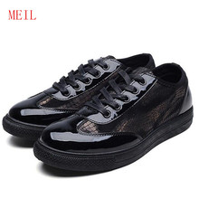 цена Spring Autumn Leather Casual Shoes Men Breathable Sneakers Men Pattern Designer Shoes Trainers Zapatillas Hombre Casual