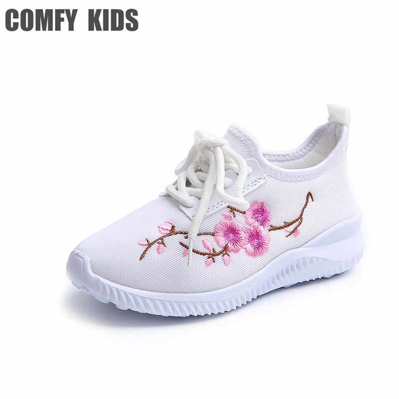 2ecafe68c624 ... Удобная детская обувь 2018 новые модные кроссовки для девочек с  цветочной вышивкой спортивные кроссовки детские ультра ...