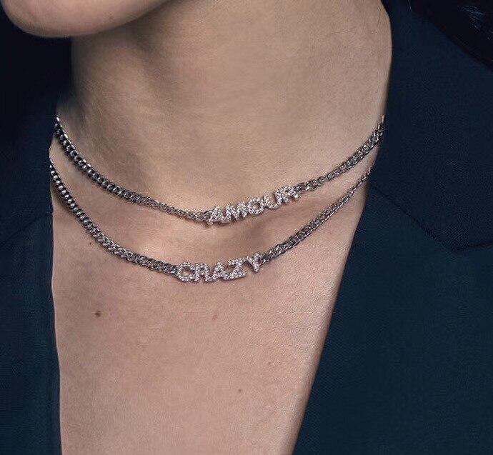 Célèbre marque en argent sterling 925 cz lettre AMOUR joyeux sourire fou collier cubique zircone alphabet phrase Monaco choker