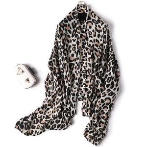Image 5 - 2019 kobiet szalik wełna zima ciepły szal mody Patchwork chustka kobiety zagesccie wełniane szale luksusowe Big Pashmina bawełna leopard