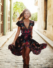 Купить с кэшбэком Lady Summer Dress Large pendulum Tassel irregular Long Dress Print Beach Dresses Women V-Neck Dresses