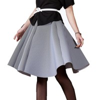 Restore ancient ways in the autumn of 2016 long space cotton in the black and white vertical stripes skirts