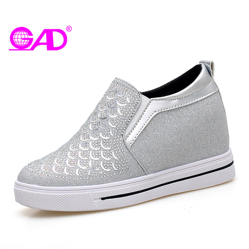 GAD Spring Women Loafers New Bling Crystal Slip-on Casual Fashion High Quality Round Toe Comfortable Women Shoes Gold Silver 2017 shoes women med heels tassel slip on women pumps solid round toe high quality loafers preppy style lady casual shoes 17