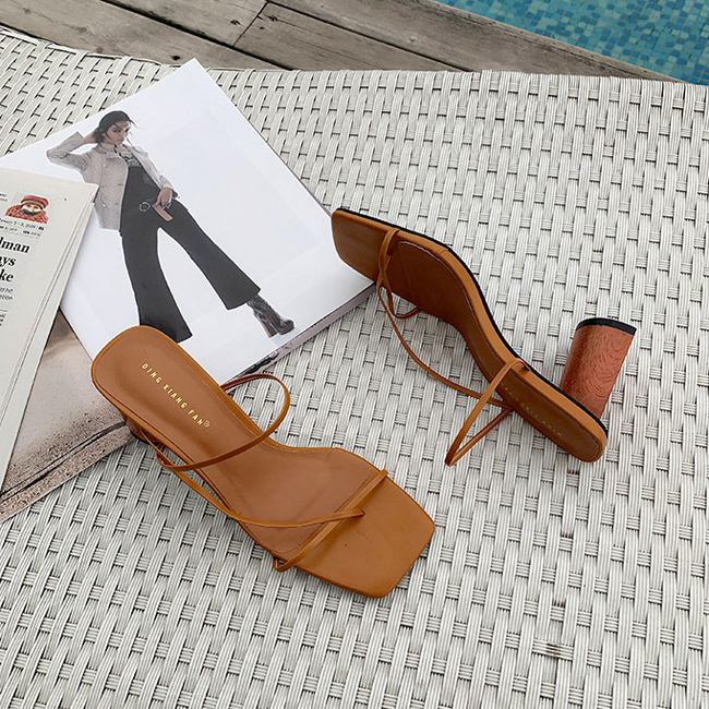 MONMOIRA Wood Heel Slipper Women's Sandals Vintage Square Toe Narrow Band High Heel Sandals Women Summer Shoes Women SWC0713